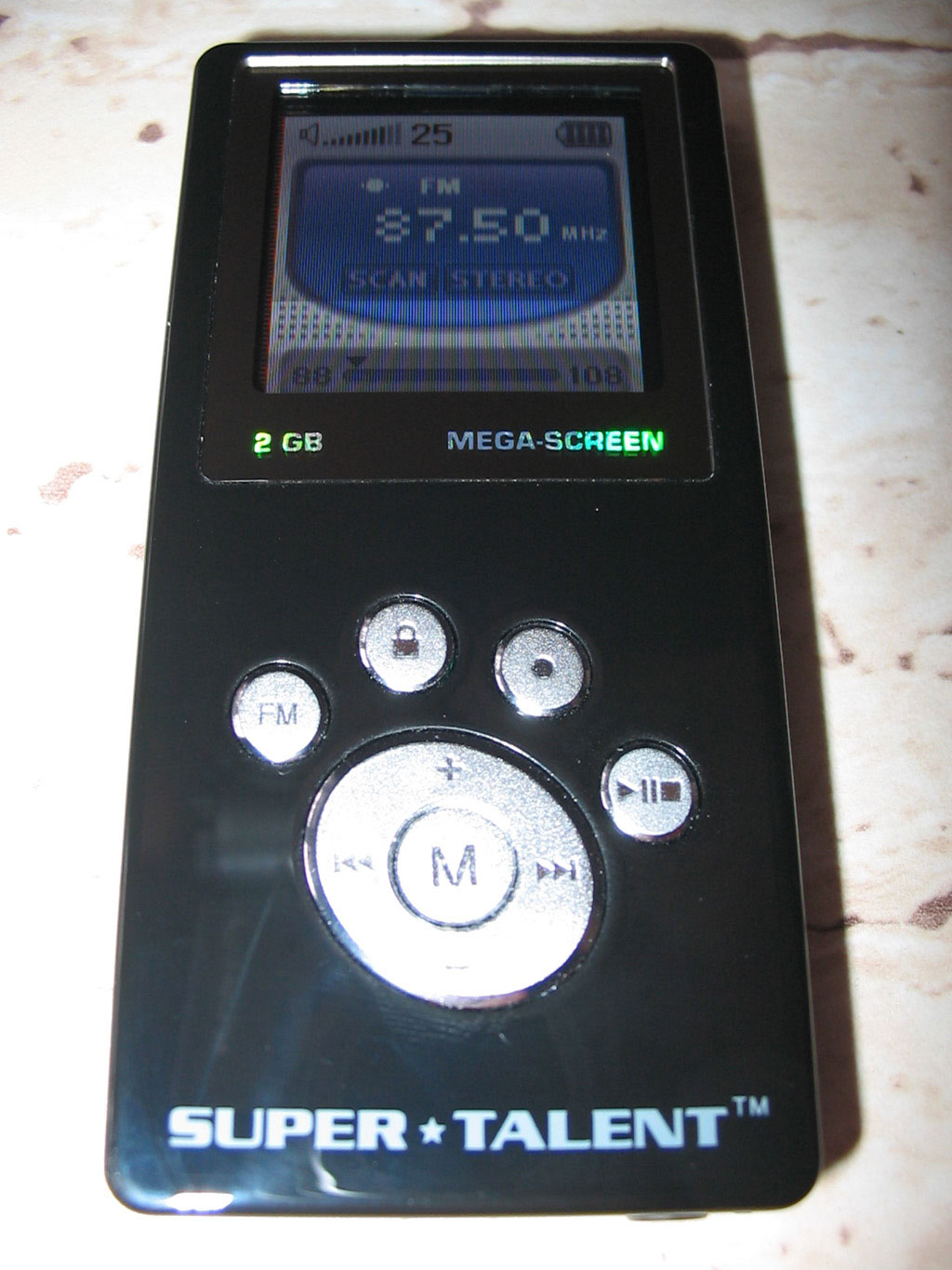 Everyday music listening and affect regulation: The role of MP3 players